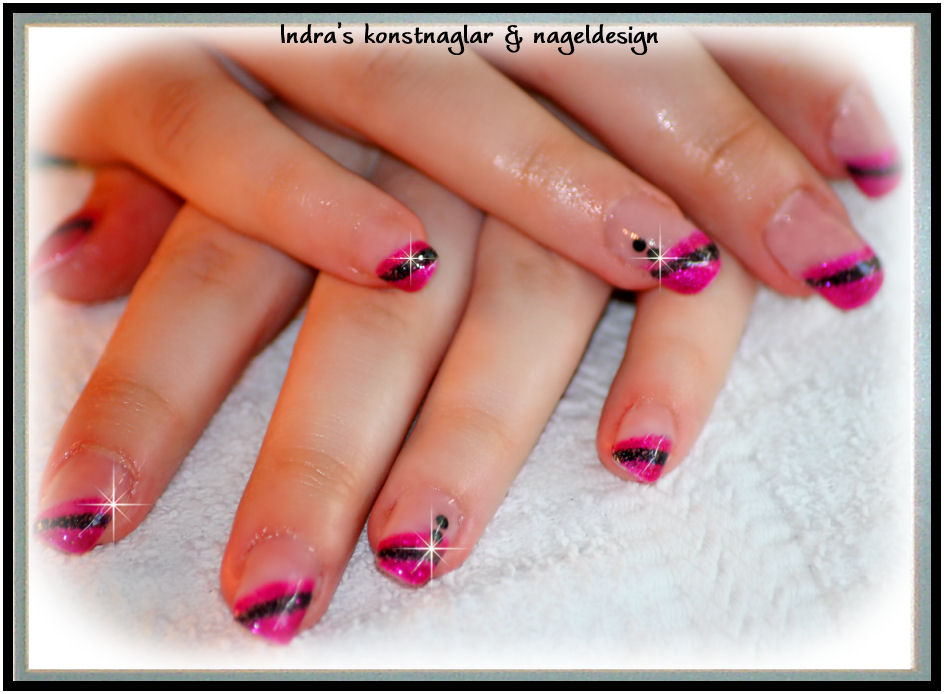 black-and-cerise-nailz