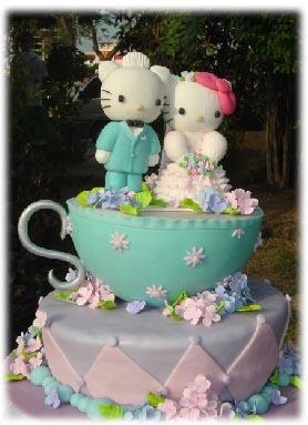 hello-kitty-wedding-cake-3